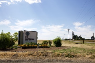 The federal corrections center in Sheridan, Ore. CREDIT: OPB