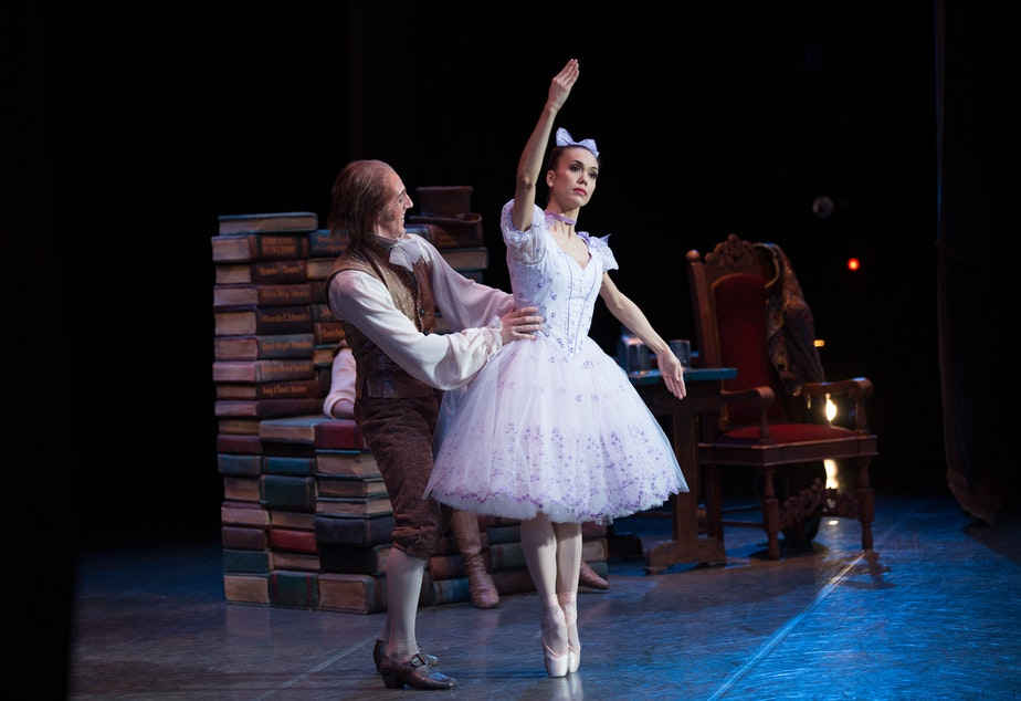 légende: Noelani Pantastico, danseur principal du Pacific Northwest Ballet