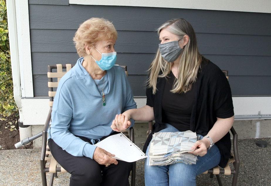 caption: Betty Jones and her daughter Elizabeth Burns