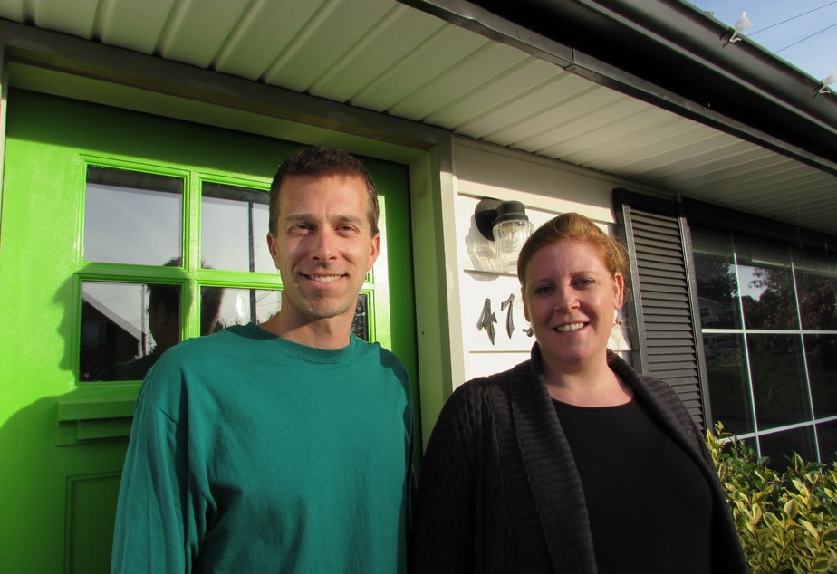 caption: Andrew Curry and Melissa Nitsch say they will vote no on the Move Seattle transportation levy.