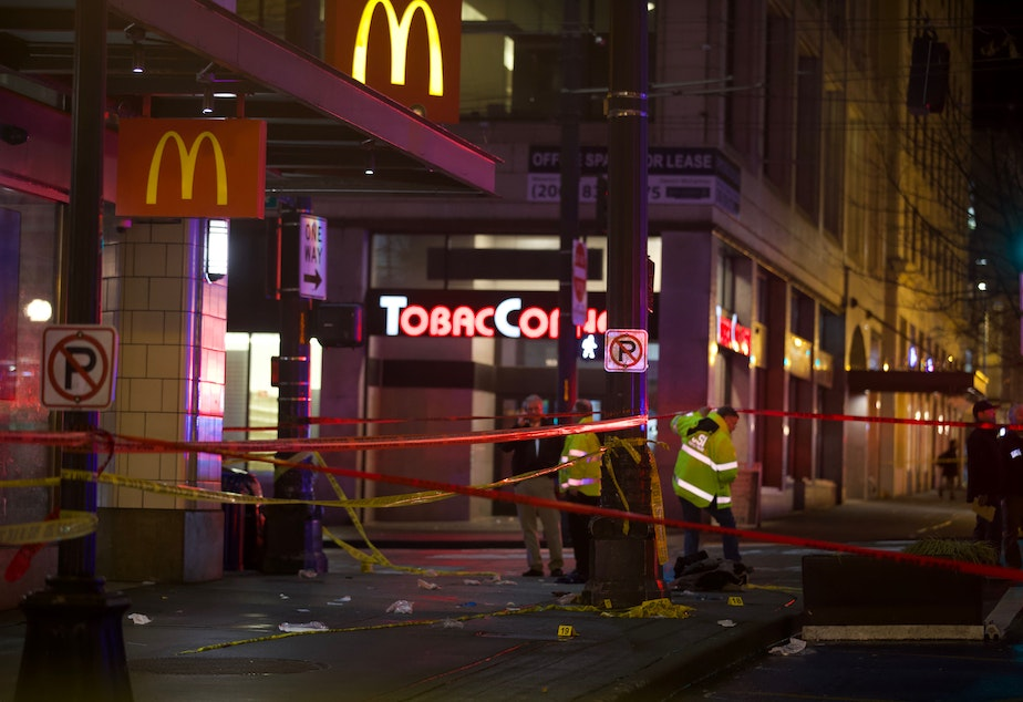Shooting in downtown Seattle leaves one dead, at least five wounded