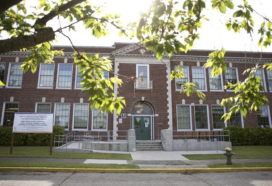 caption: Laurelhurst Elementary in northeast Seattle.