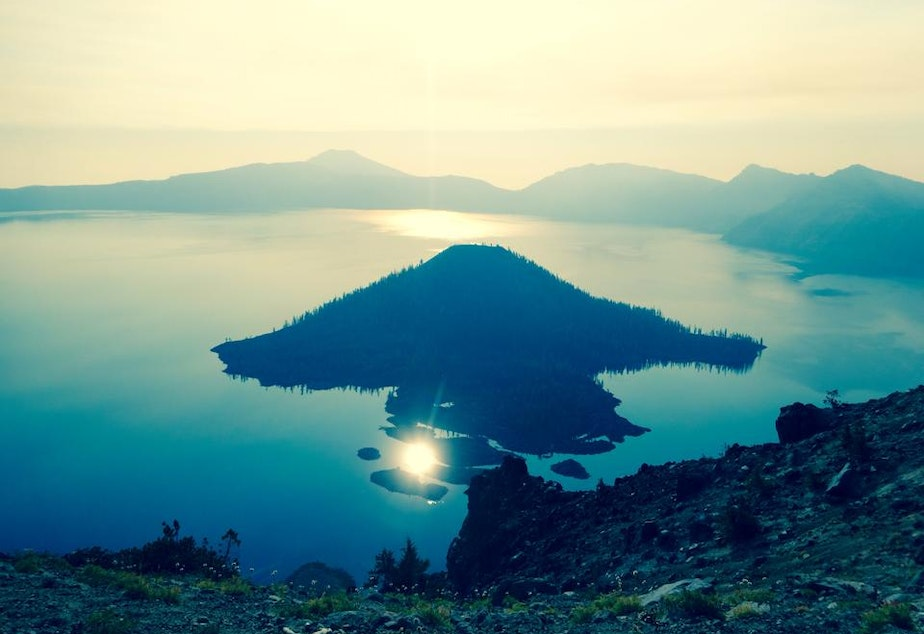 caption: Crater Lake National Park, Oregon.