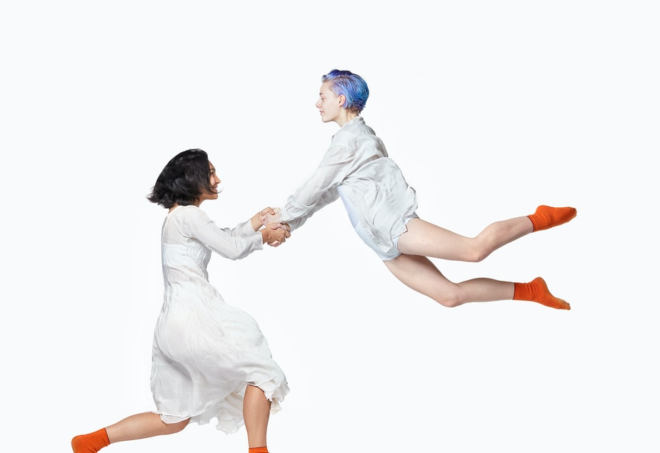 "caption: University of Washington dance students in Alethea Alexander's ""Seagulls"""