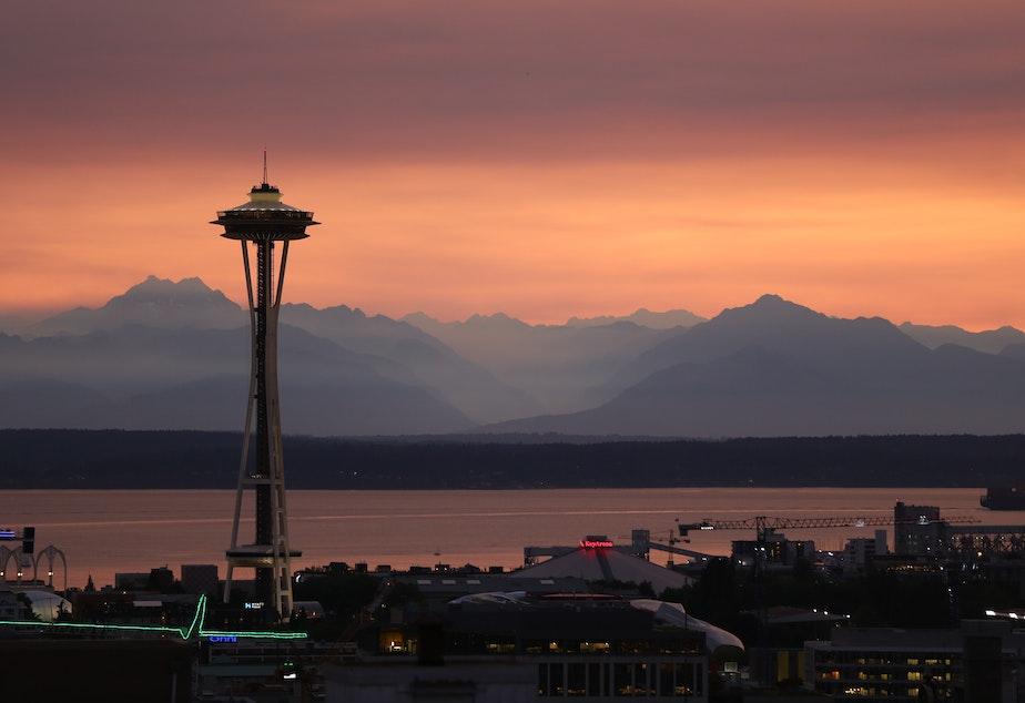 Seattle skyline smoke
