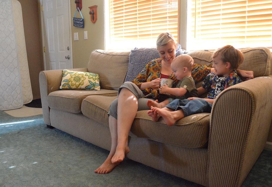 caption: Anastazia Burnett lives with her children in Waterville, outside Wenatchee.