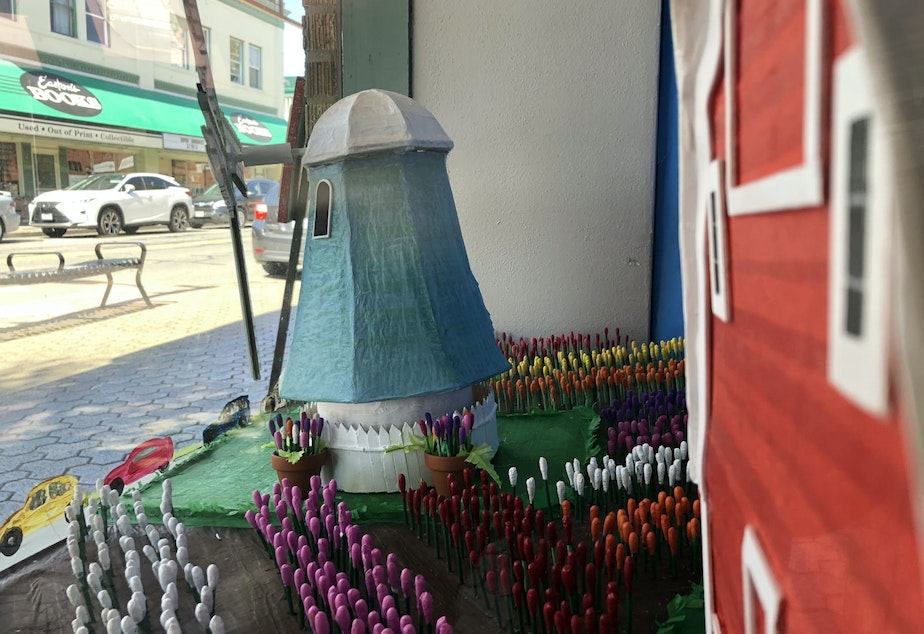 caption: A window display in the historic Mount Vernon Lincoln theater shows a tulip farm. The tulips are made from painted Q-tips