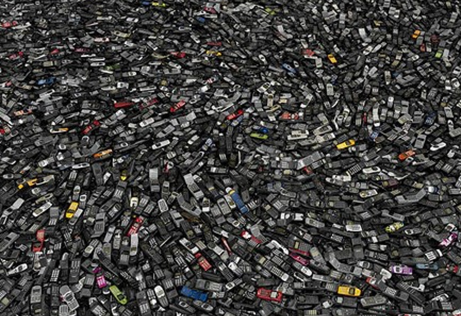 caption: Cell phones #2, Atlanta 2005, by Chris Jordan. From Intolerable Beauty: Portraits of American Mass Consumption (2003 - 2005)