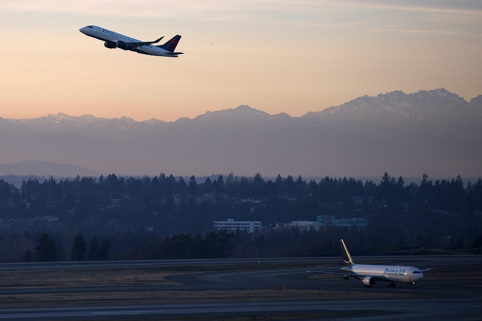 King County aims to slash carbon emissions in half by 2030, including aviation