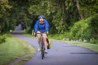 A biker on the Burke-Gilman Trail.