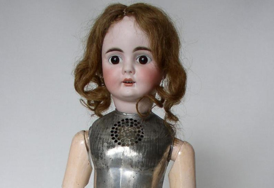 "Even Thomas Edison got it wrong sometimes. In 1890, he marketed this creepy talking doll that was taken off the shelves after just a few weeks. Listen to its <a href=""https://www.nps.gov/edis/learn/photosmultimedia/twinkle-twinkle-little-star-edison-talking-doll-cylinder-metal-prototype-design-tenhp-collection.htm"">horrifying rendition of ""Twinkle Twinkle Little Star.""</a>"