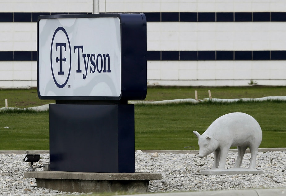 caption: A plant in Waterloo, Iowa, is one of several Tyson Foods facilities that experienced severe outbreaks of the coronavirus among workers last year.