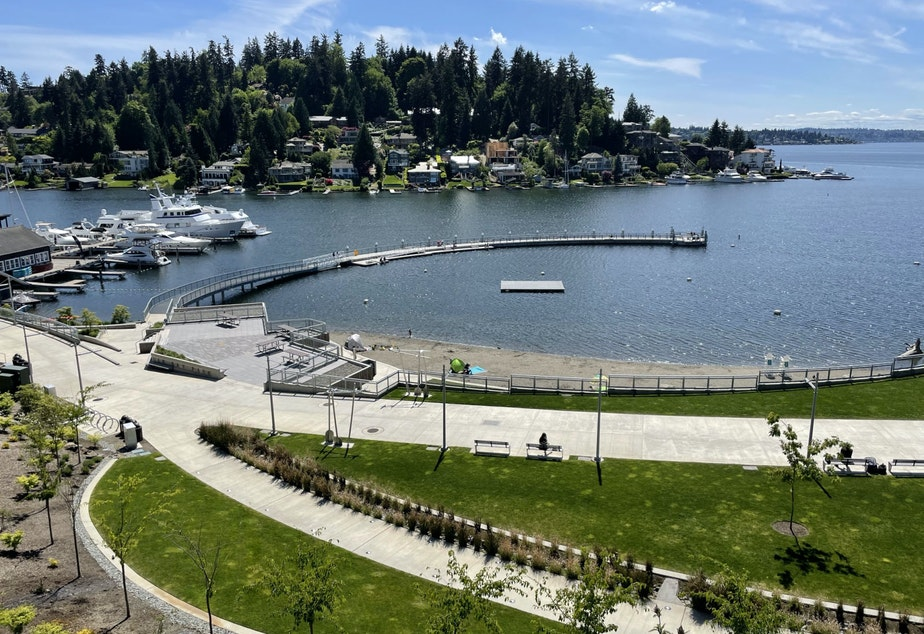 caption: Meydenbauer Bay Park in Bellevue marks the beginning (or the terminus, depending on which way you're going) of the Grand Connection, a planned pedestrian and bicycle friendly route through downtown Bellevue