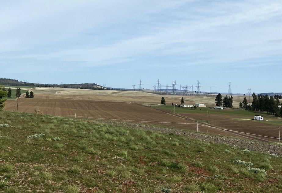 caption: Bonneville Power Administration's Knight Substation makes this area in Klickitat County attractive to renewable energy companies.