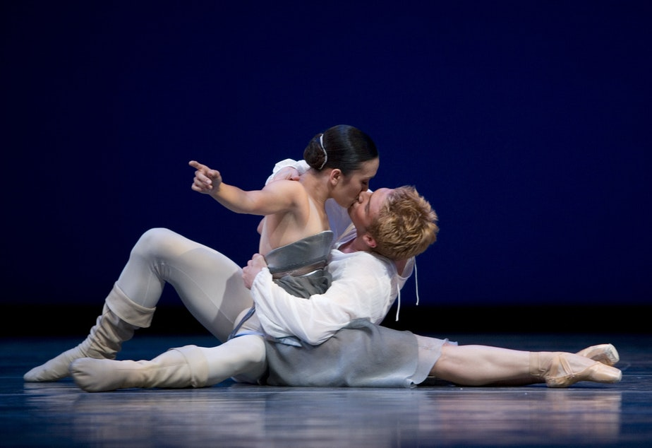 "caption: Noelani Pantastico and Lucien Postlewaite in Maillot's ""Romeo et Juliette,"" 2008"