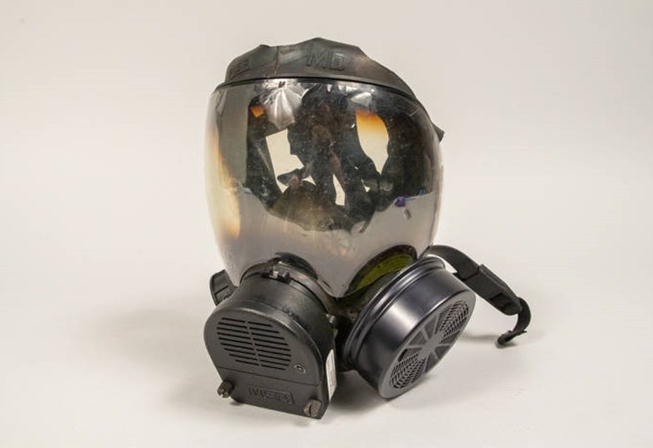 caption: Gas mask used by Captain Jim Pugel during the World Trade Center (WTO) conference and protests in Seattle, 1999