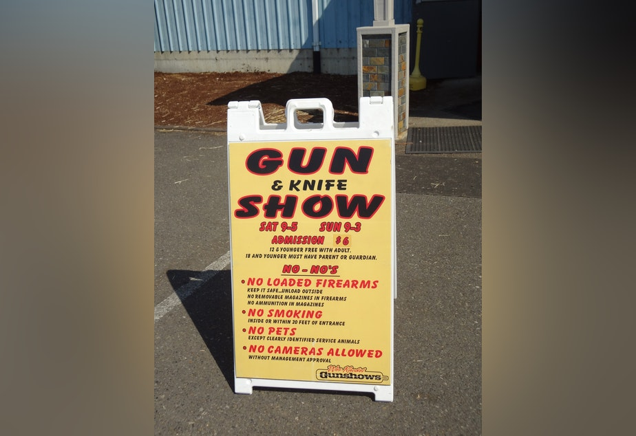 A welcome sign greets customers outside the Wes Knodel Gun and Knife Show.