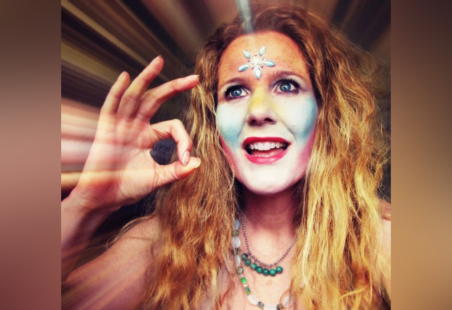 The Goddess Kring, aka Shannon Nicole Kringen, was a regular on Seattle public access TV.
