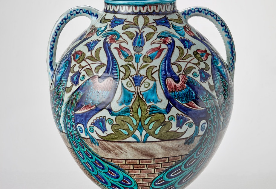 William De Morgan's peacock vase inspired many bakers at SAM's Great Victorian Radicals Bake Off.