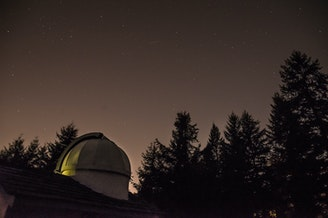 Jonathan Fay designed his observatory based off of Mt. Wilson in Los Angeles.