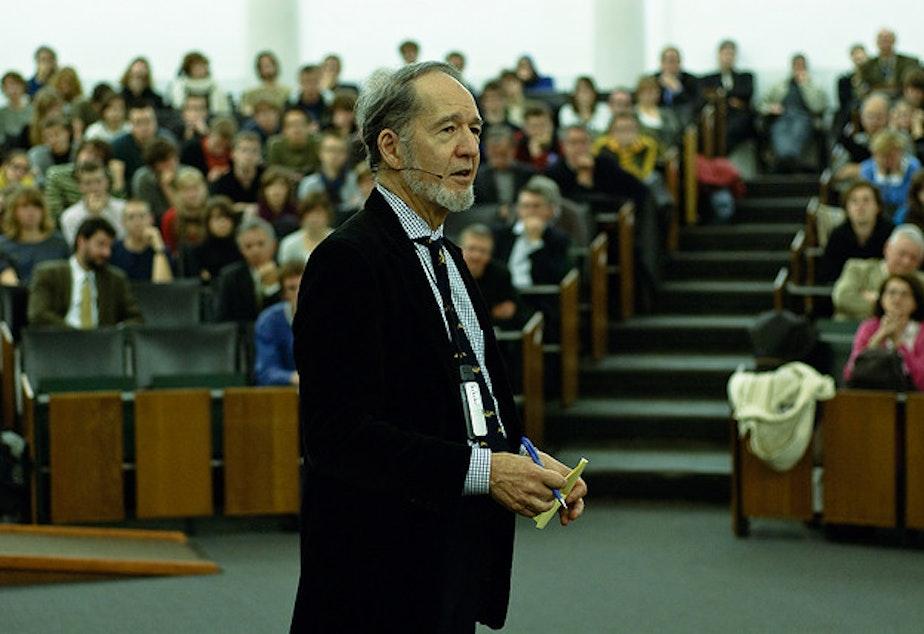 caption: Professor Jared Diamond lecturing at Maria Theresia College, Belgium, November 2008.
