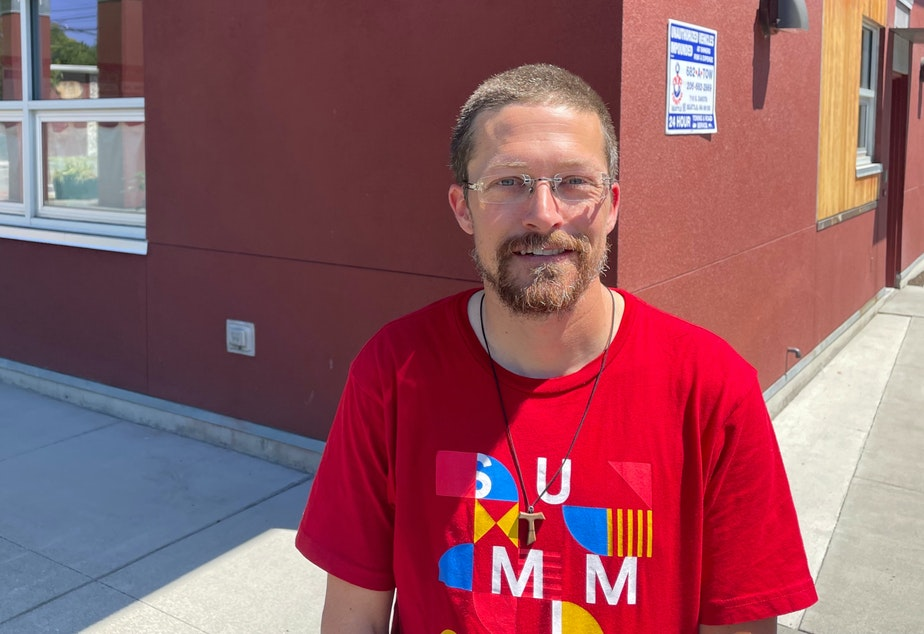 caption: South Park resident Matthew Mihlon says no mayor alone can solve homelessness