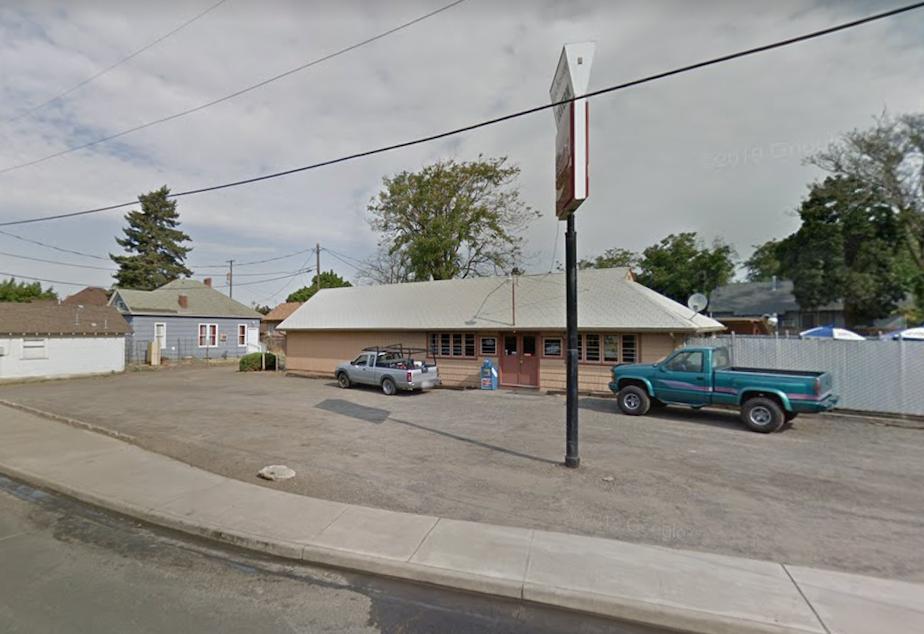 caption: The Border Tavern in Walla Walla, Washington.