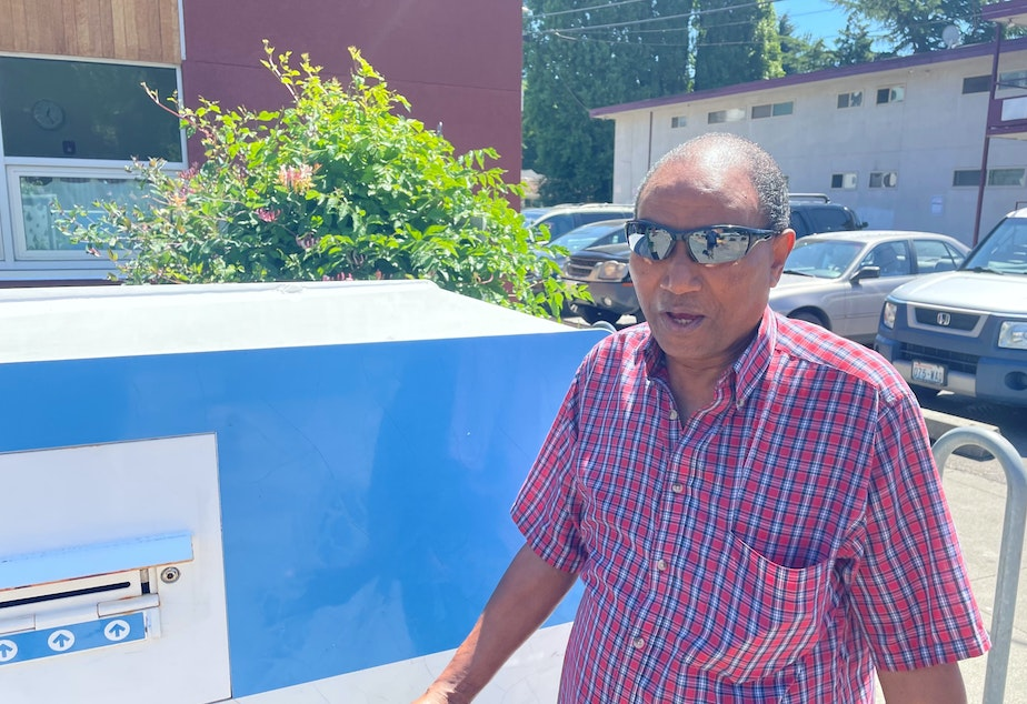 caption: South Park resident Tadesse Feleke says if he were mayor, nobody would have to sleep outside in a tent