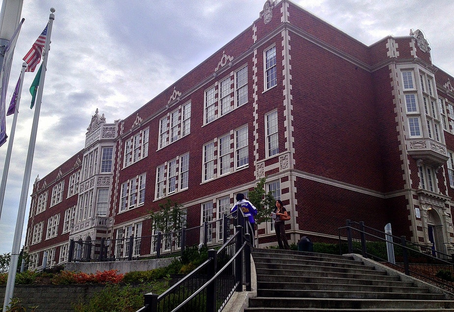 Kuow Garfield High School Takes Student Threat More Seriously Than His Teacher Did