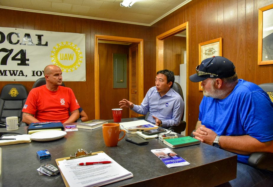Andrew Yang meets with union leaders with the United Auto Workers in Iowa