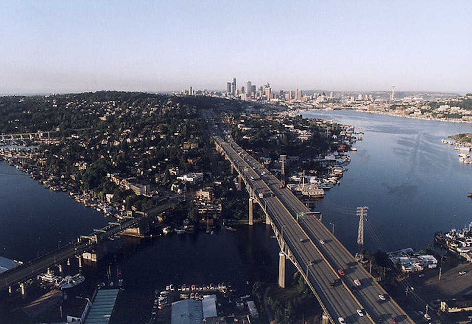 caption: The Lake Washington Ship Canal connects the lake with Puget Sound via Lake Union. The Army Corps of Engineers controls the water level of the lake by manipulating the water flow at the Ballard Locks.