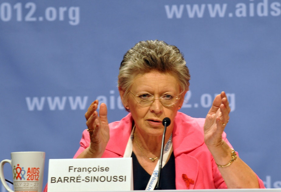 Dr. Françoise Barré-Sinoussi