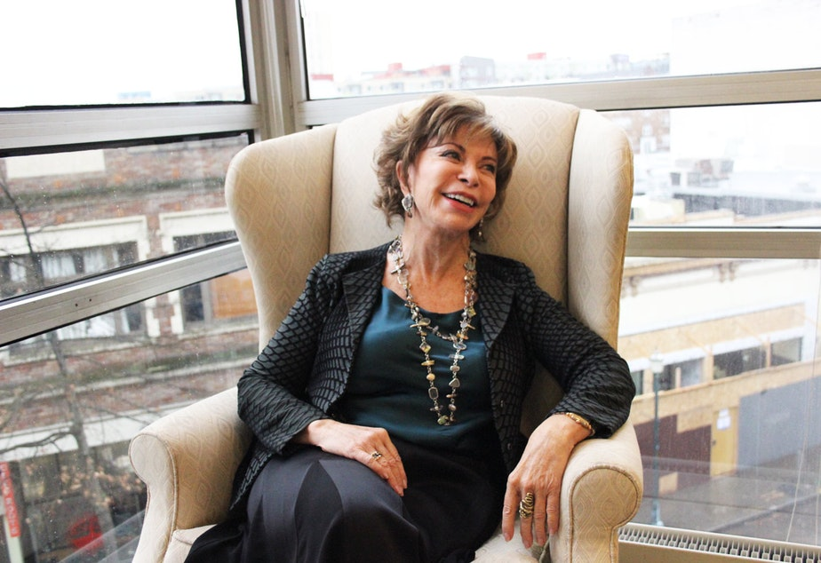 Isabel Allende Talking About In The Midst Of Winter Youtube