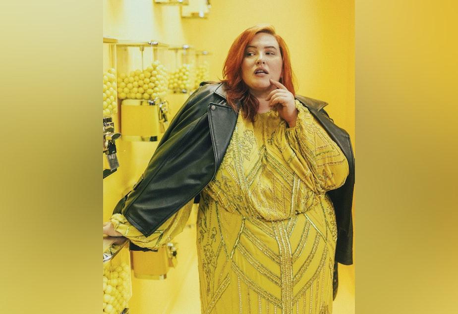 caption: Model Jessy Parr at Seattle's Selfie Museum.