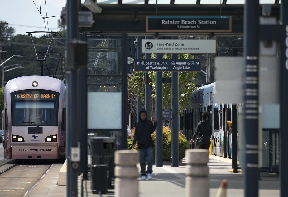 KUOW - Heat + outages causes entire Sound Transit Light Rail