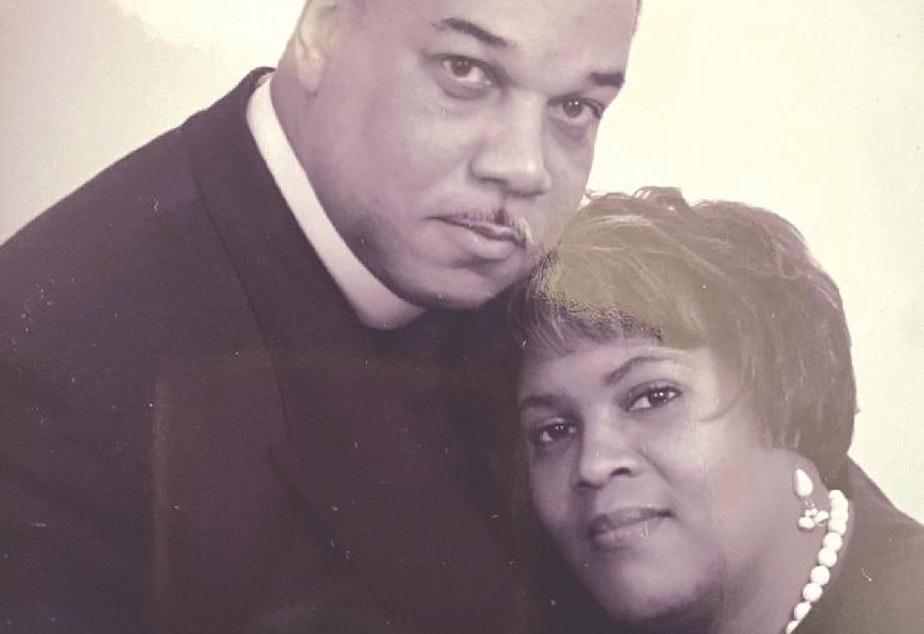 caption: Seattle Pastor Edwin J. Kyles, Jr. and his wife Esther Bryant-Kyles. After 23 years of marriage, they both passed away from Covid-19 within 10 days of each other.