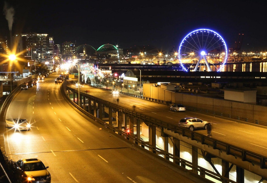 Cars pulled to the side of the viaduct on its final night. Note the bright lights coming from the back of the northbound lane — those cars don't want to inch forward, because they want to be the last car to drive the viaduct.